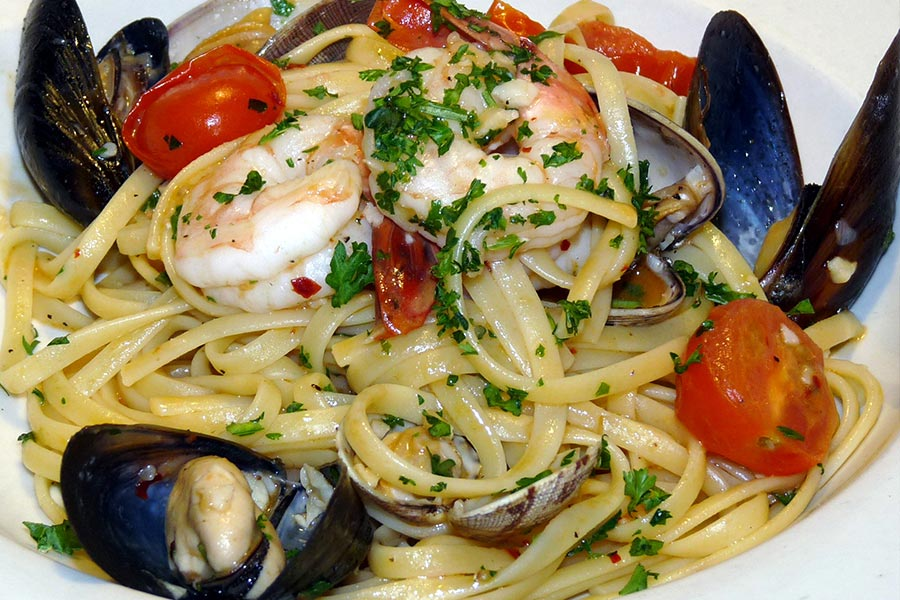 how to make seafood marinara pasta sauce